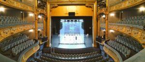 Vue des gradins du terrain de squash au Théâtre Graslin